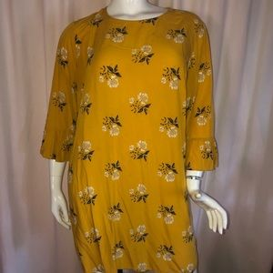 Old Navy yellow floral blouse